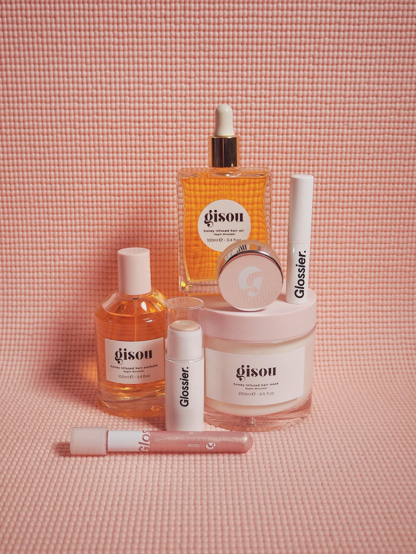 Social Media Beauty Brands: Glossier & Co.